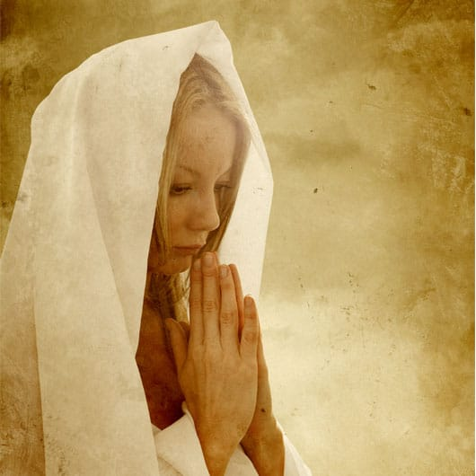 velas de cera virgen y semana santa